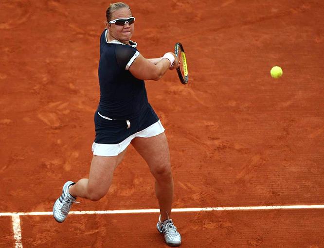 Rolling Estonian reaches first Grand Slam quarterfinal.
