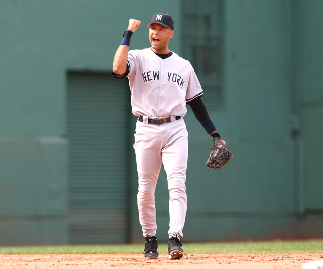 After 155 plate appearances with the bases loaded, Derek Jeter hits the first grand slam of his career.