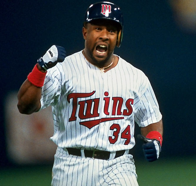 Kirby Puckett passes Rod Carew as the Twins' all-time leader in hits (2,088).