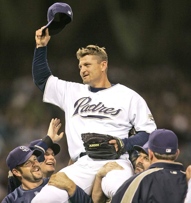 At Petco Park, Trevor Hoffman becomes the first reliever to save 500 games. It takes the all-time saves leader 10 ninth inning pitches, including an 87 mph fastball thrown past Russell Martin for the final out, to reach the milestone in the Padres 5-3 victory over the Dodgers.