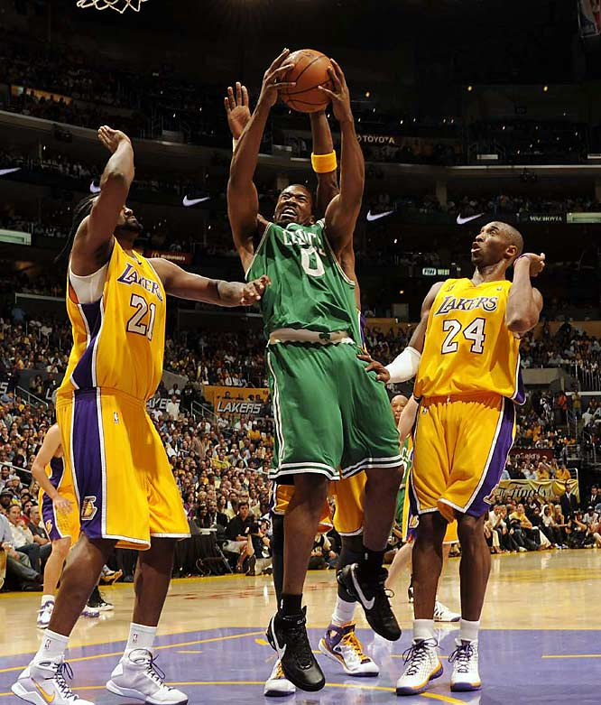 Leon Powe was part of a Celtics bench that came up big with a combined 35 points and 14 rebounds.