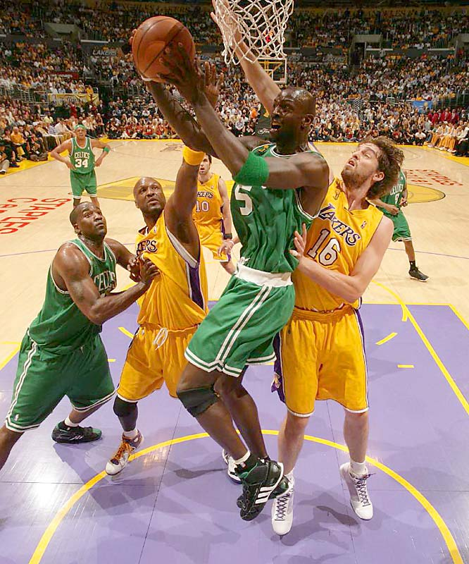 Kevin Garnett scored six of his 16 points in the fourth quarter, when the Celtics outscored the Lakers 26-18.