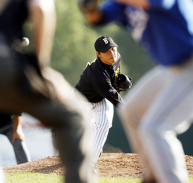 """The Bucs imported two starting pitchers from Taiwan for the summer of 2007: Chu-Kuan Lee, the ace for National Taiwan College of Physical Education, and Cheng-Chang Lee (pictured), the ace from Taipei Physical Education College. They were referred to by coach Mike Garcia as """"Lee 1"""" and """"Lee 2,"""" respectively."""
