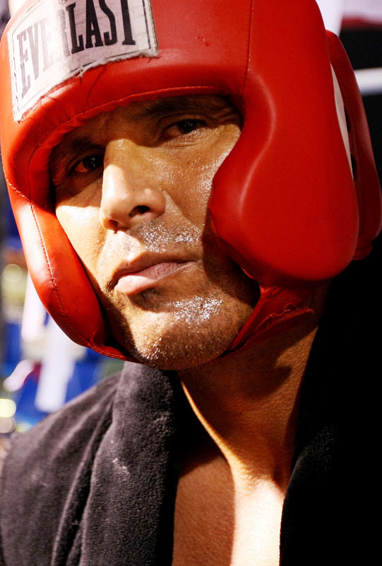 "Former Major League Baseball player Jose Canseco dared anyone who was willing to step up and fight him in the ring. Vai Sikahema, a former NFL Pro-Bowler and current sportscaster, took the challenge, and the two duked it out in Celebrity Boxing Promotions' ""War at the Shore"" in Atlantic City on July 12. Canseco, who is known more for his controversial words and ongoing court battles lately, was knocked out after just 1:37 into the first round."