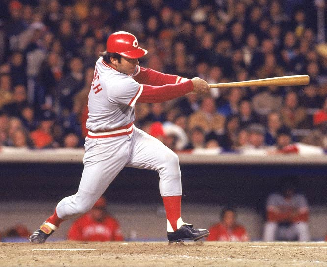 Johnny Bench breaks Yogi Berra's record by hitting his 314th home run as a catcher.
