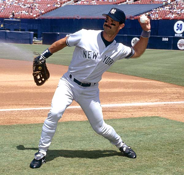 Yankees' first baseman Don Mattingly becomes the first American League player to hit a home run in seven consecutive games.