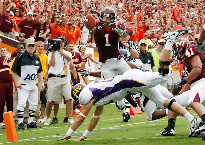 After initially declaring for the 2008 NFL draft, Harris returned for his senior season. Combining jaw-dropping athleticism with notable size (6-foot, 195 pounds), Harris is one of the premier defensive backs in college football.