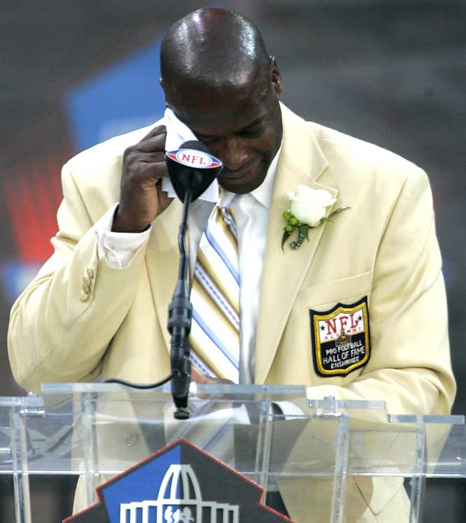 Darrell Green caps the day's festivities with a heartfelt, tear-driven speech. Green and Emmitt Thomas are the 18th and 19th cornerbacks to make the Hall of Fame.