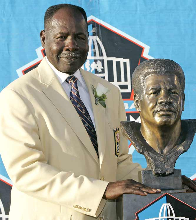 Emmitt Thomas now walks amongst the other Hall of Famers -- including 12 legends from the Chiefs alone. In his distinguished 13-year career, Thomas amassed 58 interceptions (ninth on the NFL's all-time list), made five All-Star teams, earned three All-Pro nods and won one championship -- Kansas City's monumental upset of Minnesota in Super Bowl IV.