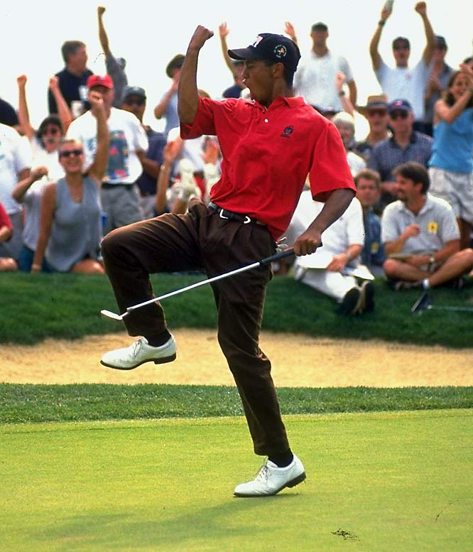 Tiger Woods wins his third consecutive U.S. Golf Amateur Championship -- his final victory before turning pro.