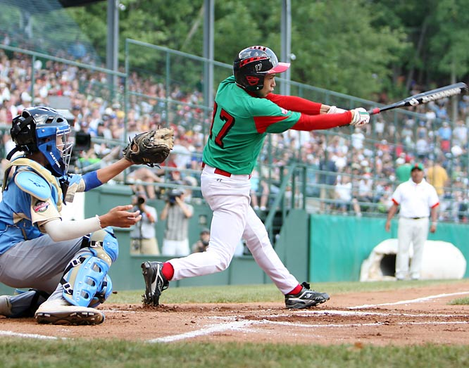 Mexico seemed to have started a rally in the third, but a fly ball from Emmanuel Rodriguez forced a second out and put a halt to the team's run.