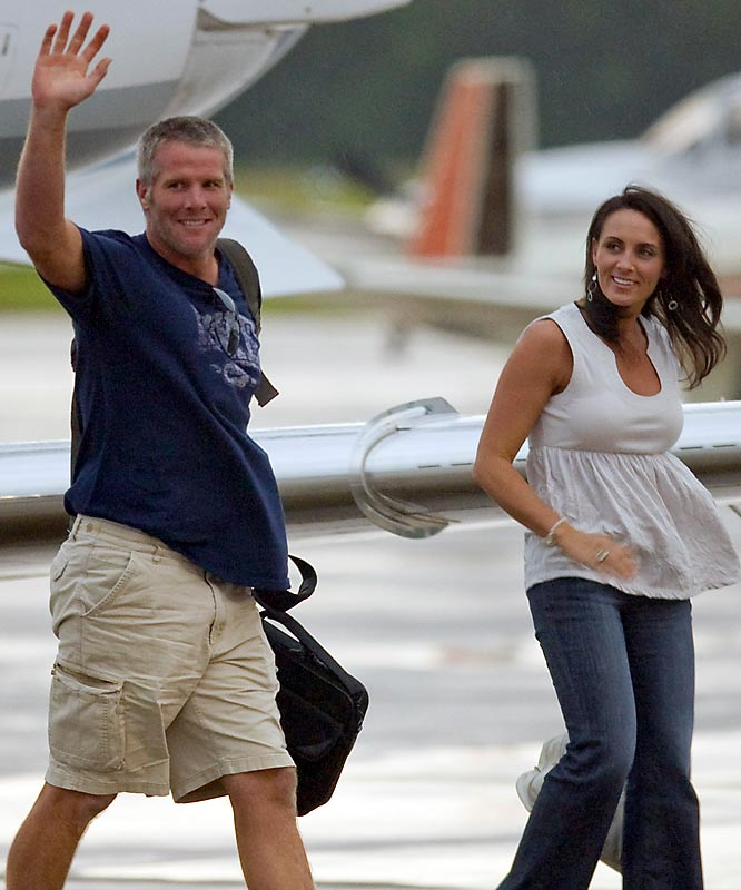 Favre and wife Deanna flew by private jet from Mississippi to Green Bay on Sunday.