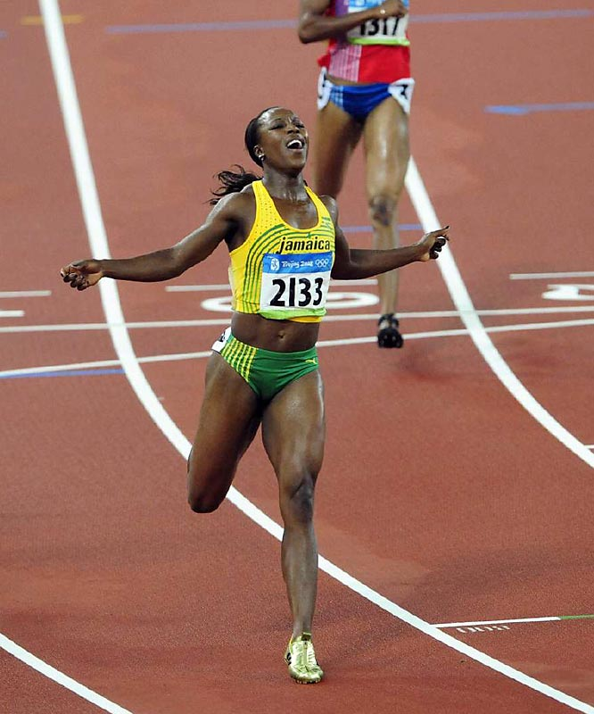 Veronica Campbell-Brown wins the gold medal in the 200, extending Jamaica's streak in the sprints. The defending Olympic champion routed Allyson Felix of the U.S. in 21.74 seconds to win the gold by 0.19 second.