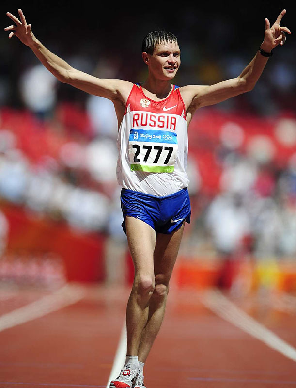 Denis Nizhegorodov of Russia, the silver medallist at the Athens Games and world record holder, took bronze in the race walk.