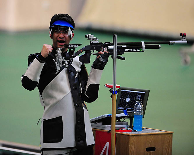 Abhinav Bindra of India won gold inthe 10 meter air rifle.
