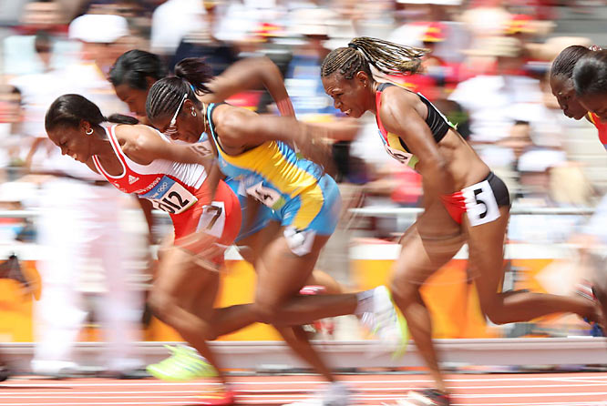 Mae Koime (2566) of Papua New Guinea placed sixth in the 100m preliminary heat, while the Bahamas' Debbie Ferguson McKenzie (1094) finished second to advance.