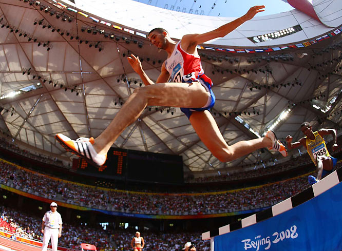 Mahiedine Mekhissi of France placed second in his 3000m steeplechase preliminary heat with a time of 8:16.95.