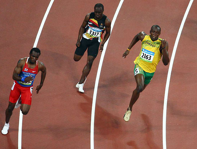Bolt averaged 9.65 seconds per 100 meters in the 200.