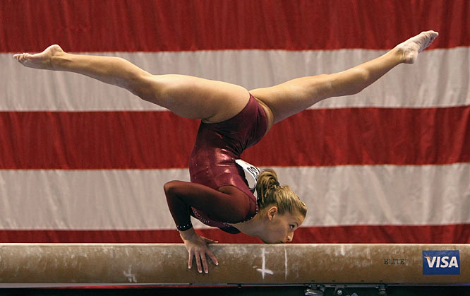 Alicia Sacramone's floor routine rallies the UnitedStates to the world women's gymnastics title in Stuttgart, Germany.