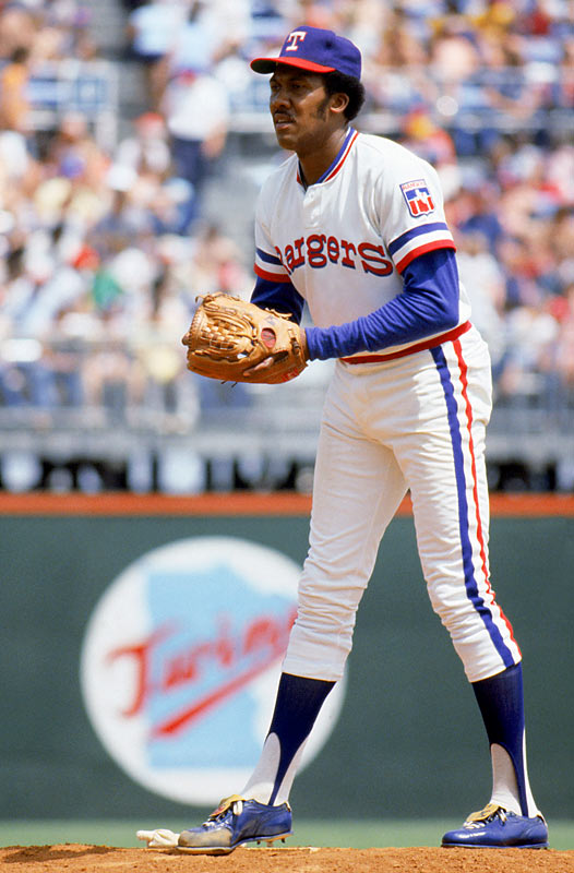 Bowie Kuhn suspends Ferguson Jenkins indefinitely due to a drug arrest in late August.