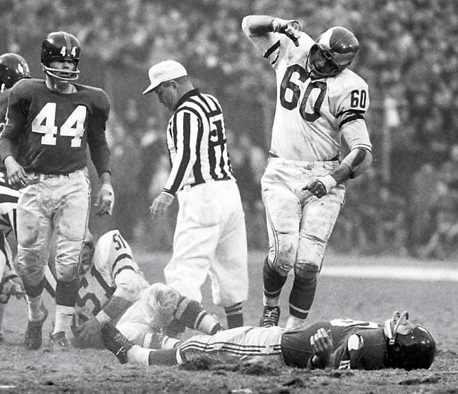 Chuck Bednarik's layout of Frank Gifford in 1960.