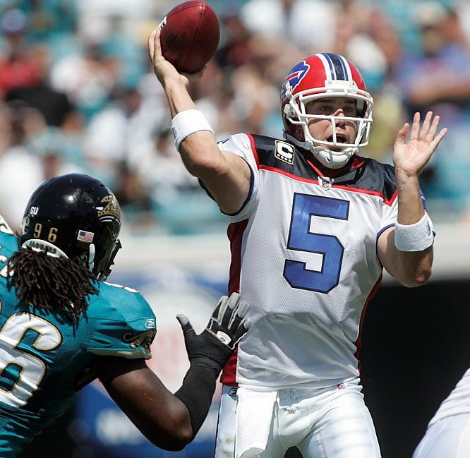 Bills quarterback Trent Edwards was 20-of-25 for 239 yards and a touchdown in Buffalo's 20-16 win over Jacksonville.
