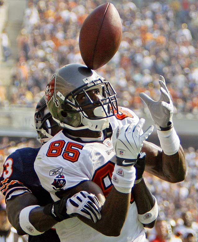 Bears' cornerback Charles Tillman breaks up a touchdown pass to Maurice Stovall (85) during the fourth quarter. The Buccaneers won 27-24 in OT.