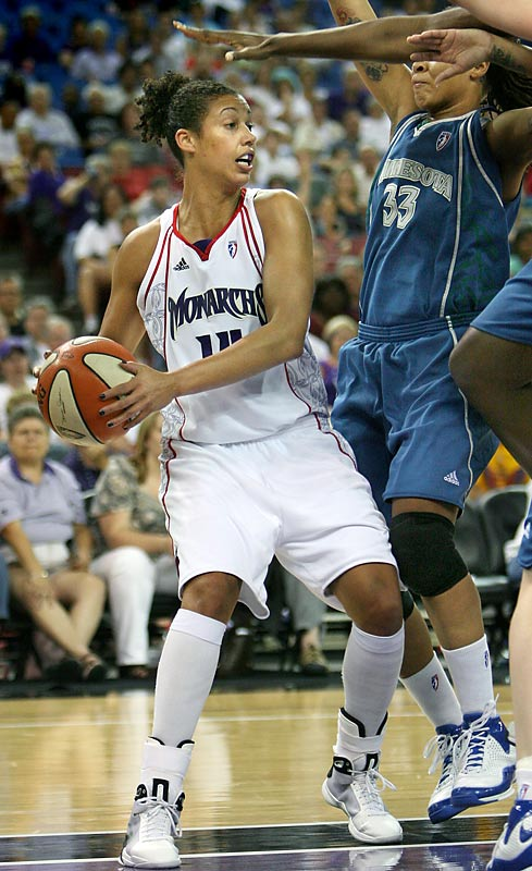 Her 21 points helped put the Monarchs within five points of a Western Conference Final berth, but Sacramento fell short, falling to the Silver Stars.