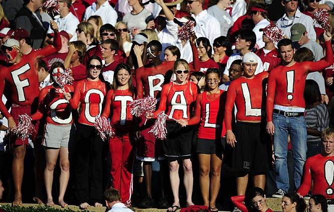These 'Bama fans want one thing: Football.