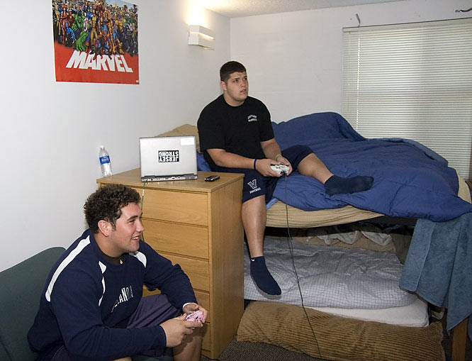 When they're not fervently studying, Oakley (left) and Brannigan engage in intense battles on their Xbox 360.
