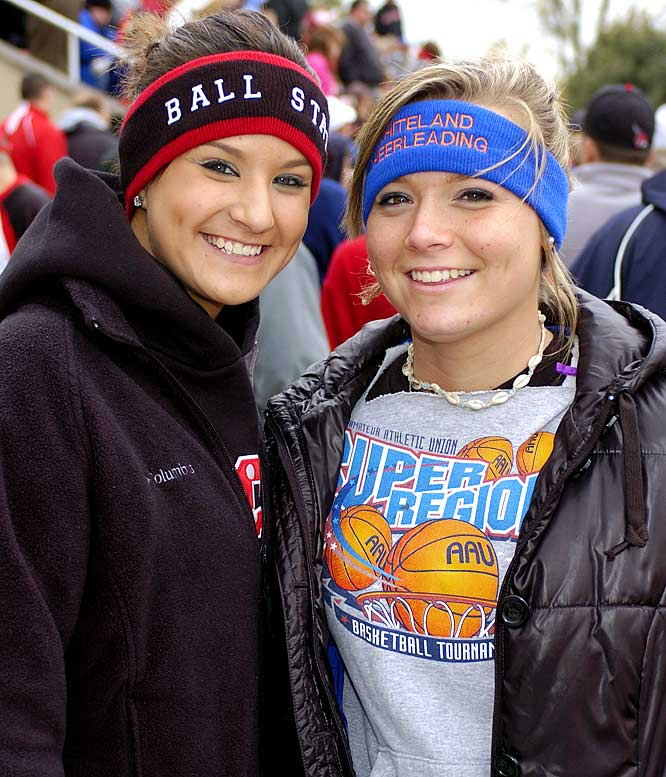 These Ball State fans put on their cold weather gear so they could comfortably cheer on their team.