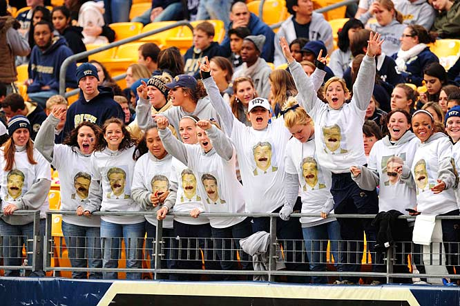 These Pitt fans probably burned their Dave Wannstedt shirts after Pitt's loss.