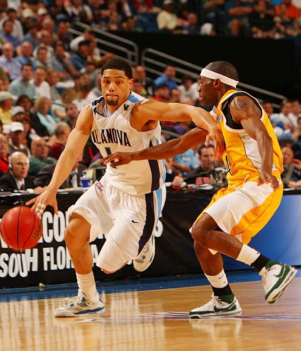 Reynolds, pictured, carried 'Nova to the Sweet 16 last year as a No. 12 seed, averaging 23 points in wins over Clemson and Siena and establishing himself as an elite scoring guard. Fisher (9.1 ppg), another strong athlete in the Wildcats' guard-heavy offense, could have a breakout sophomore year if he can become a more disciplined shooter. He hit just 35.4 percent of his field goals as a freshman.