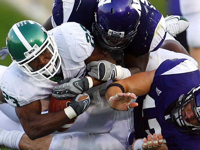 Javon Ringer rushed for 124 yards and two touchdowns as the Spartans cruised past previously unbeaten Northwestern.