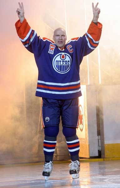 Mark Messier (pictured here in 2007) makes his NHL debut with the Edmonton Oilers.