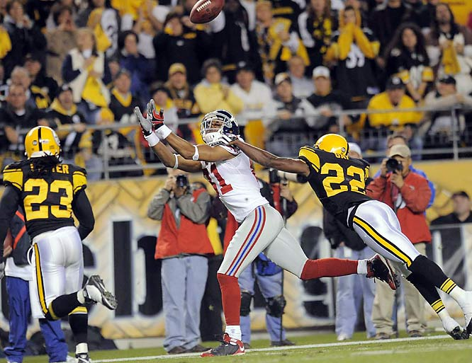 Eli Manning and Amani Toomer connected for one of the game's biggest plays as the Giants came from behind to beat the Steelers. On fourth-and-six in the fourth quarter, Manning hit Toomer on a fade for a 30-yard gain. An ensuing field goal cut the Pittsburgh lead to two points.