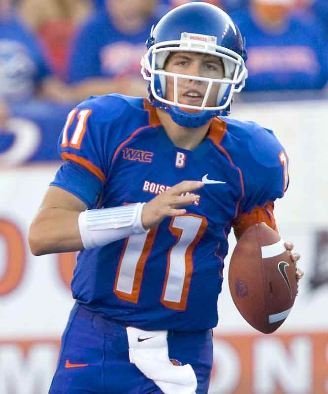 The wheels are in motion ... things are moving steadily for the Broncos -- and their pursuit of an undefeated season. On Thursday, Boise State (now 5-0) pummeled La. Tech by five touchdowns, led by QB Kellen Moore (325 passing yards, 2 TDs).