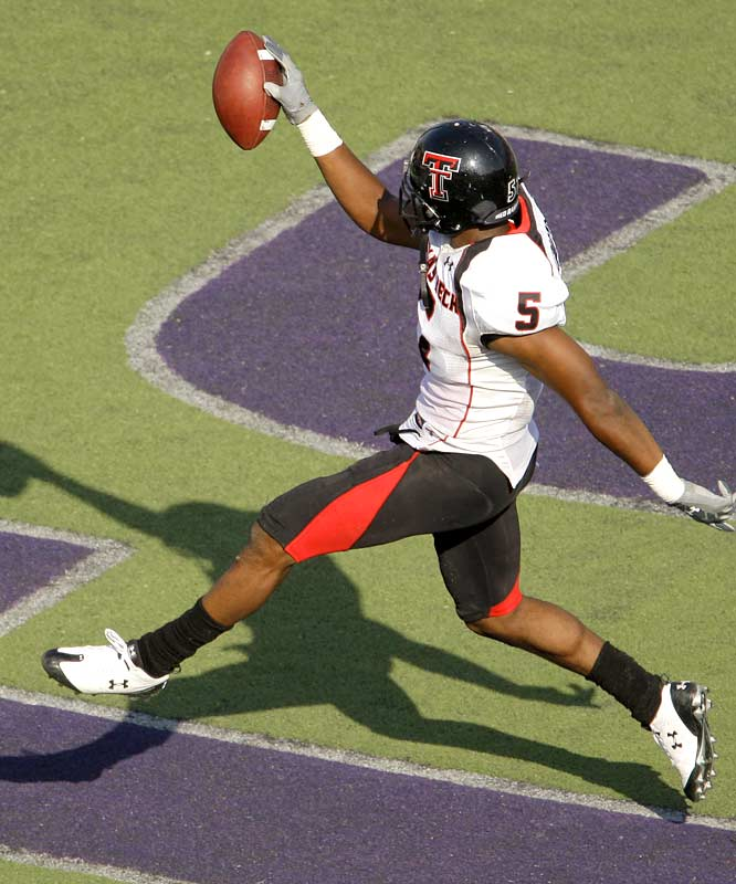 Michael Crabtree (9 catches, 106 yards, 2 TDs) had plenty of reasons to dance in the end zone on Saturday -- while creating a Jordan-esque shadow -- as his Red Raiders hung 58 points on a respectable Wildcats defense. Up next for Texas Tech: a home date with Nebraska.