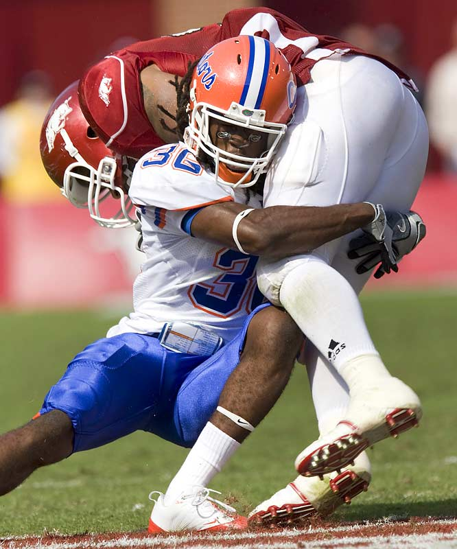 While Florida's offense sputtered at times in its closer-than-the-score-indicated win on Saturday, Moses Jenkins and the defense held firm, holding the Hogs to 361 total yards and just one touchdown.
