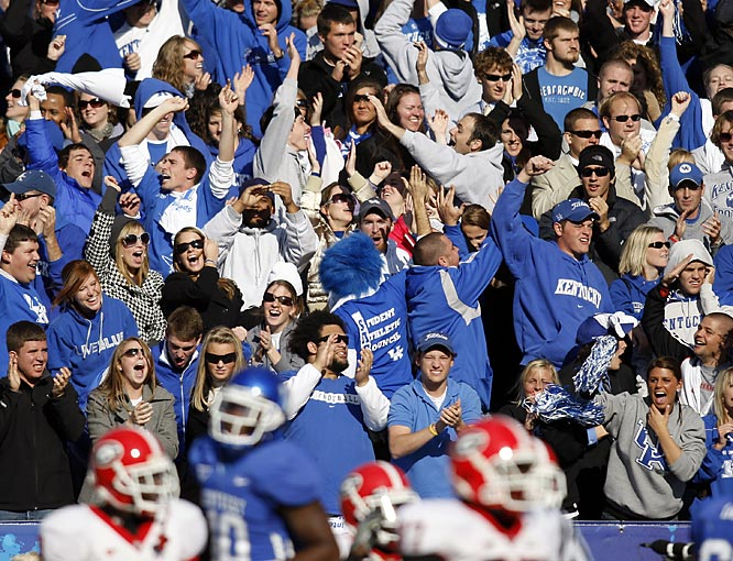 You've got to love Kentucky fans. Even during losses, they're always cheering.