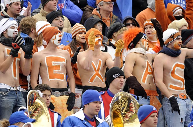 Texas fans aren't used to the snow. Bust just because it was a tad nippy when the Longhorns faced the Jayhawks this weekend didn't mean UT fans were going to wear shirts.