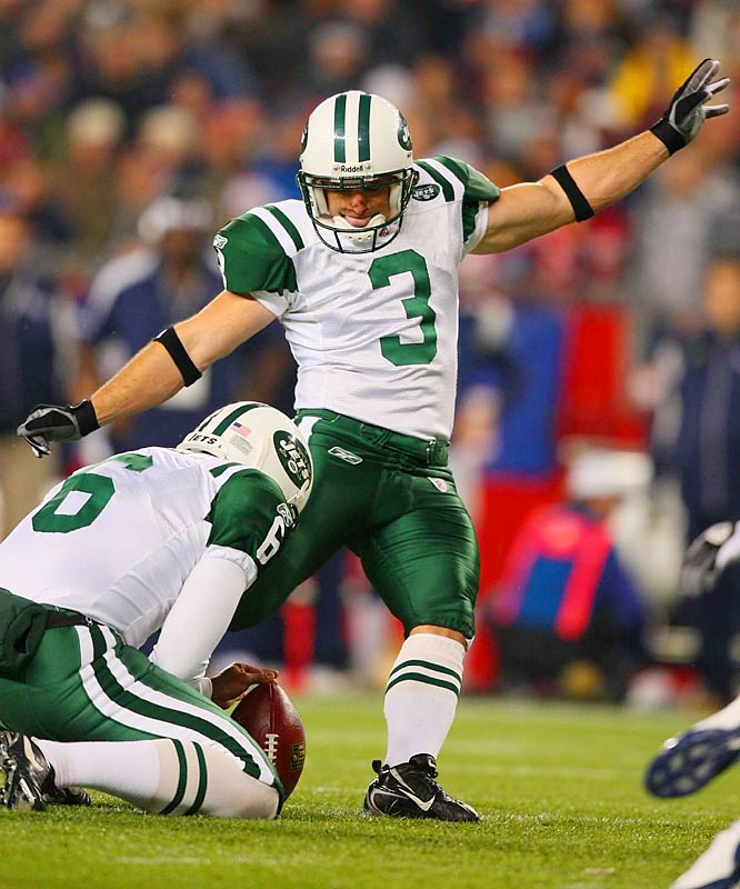Jay Feely was two-for-two on field goals Thursday. Here he hits from 22 yards to put the Jets up 10-3 in the first quarter.