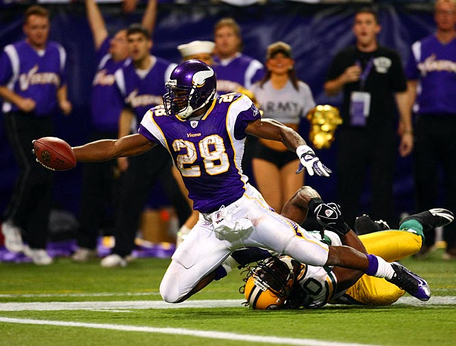 Peterson totaled 192 yards and one touchdown on 30 carries and caught four passes for 33 yards in Minnesota's 28-27 win against the Packers. Peterson got the ball on 10 of the Vikings' 13 plays in the fourth quarter and gained 95 yards, including a 29-yard touchdown late in the quarter that gave Minnesota a one-point lead.