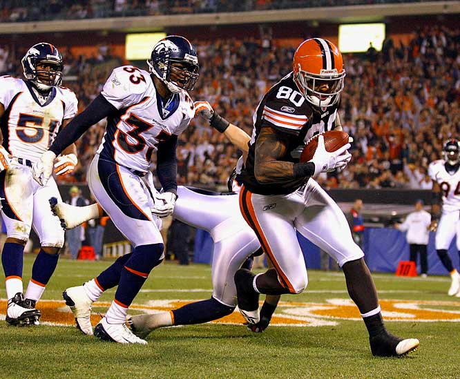 Winslow led the Browns with 10 receptions for 111 yards and two touchdowns against the Broncos, enjoying an all-game connection with Cleveland's new starting quarterback Brady Quinn.
