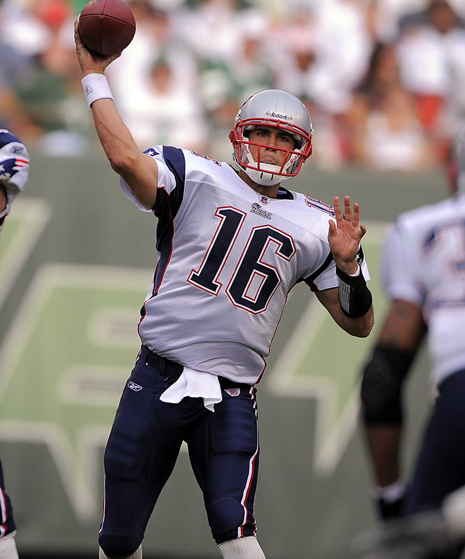 Filling in for the injured Tom Brady, Cassel proved his critics wrong by leading the Patriots to an 10-5 record. Heading into the final week of the season he had passed for 3,615 yards and 21 touchdowns. In Week 11, he became the first quarterback in league history to throw for 400 yards and run for 60 (he ran for 62) in the same game.<br><br>Who would you add to the gallery? Send suggestions to siwriters@simail.com.