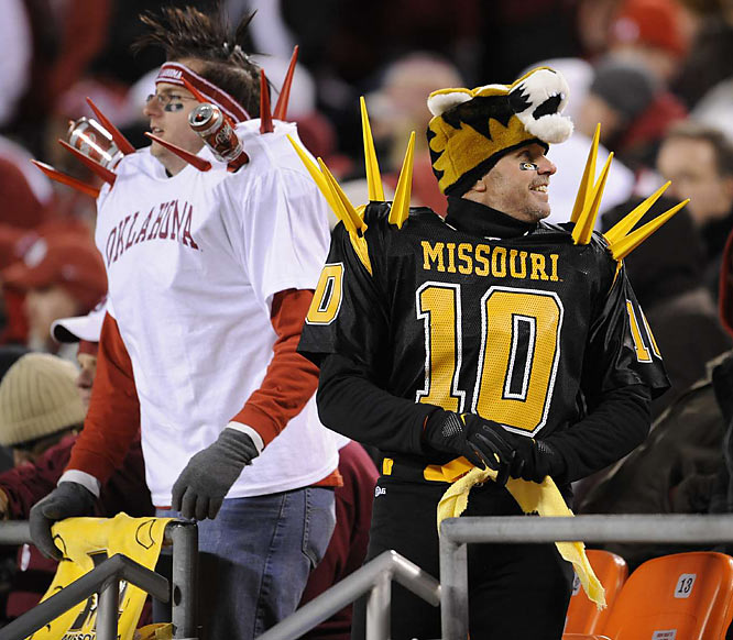 It's probably best to steer clear of these fans and their spiky jerseys after a loss.
