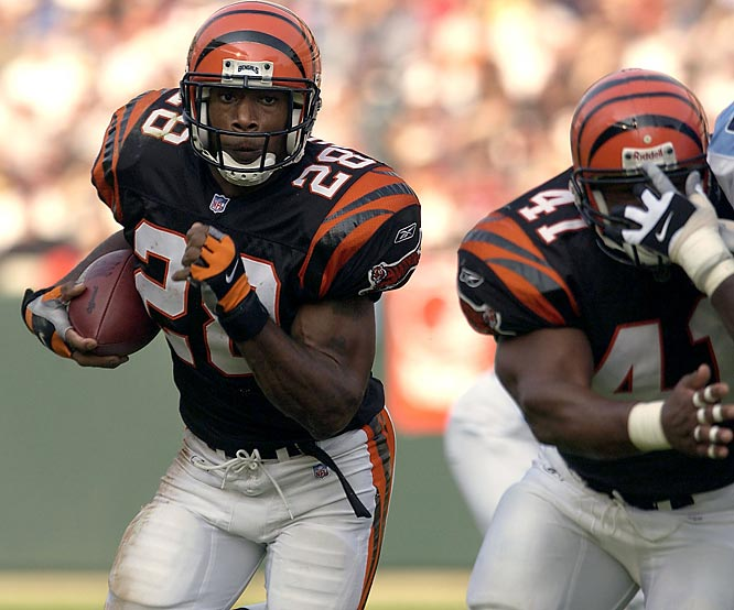 Cincinnati running back Corey Dillon rushes for a rookie record 246 yards in a 41-14 victory over Tennessee.