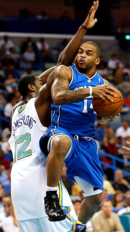 This enticing matchup marks the first of five nationally televised games on Christmas Day. Recent road victories at Portland and Utah and home wins against the Spurs and Lakers have helped the Magic legitimize their fast start. The point guard battle will be interesting; as good as Chris Paul has been, Orlando's Jameer Nelson is playing at a high level, too, in what's shaping up as his breakout season.