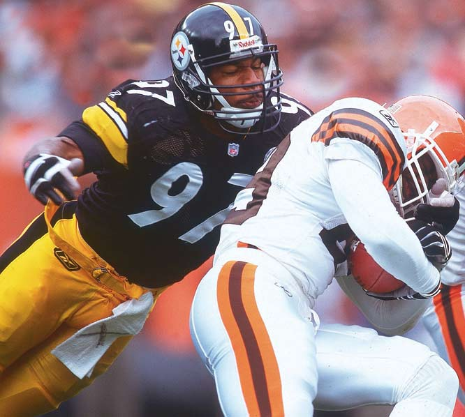 A second-round pick out of Georgia, Bell started all 16 regular season games for the Steelers in 2001. The linebacker recorded 83 tackles (70 solo) and nine sacks in his rookie campaign, helping to anchor Pittsburgh's defense.
