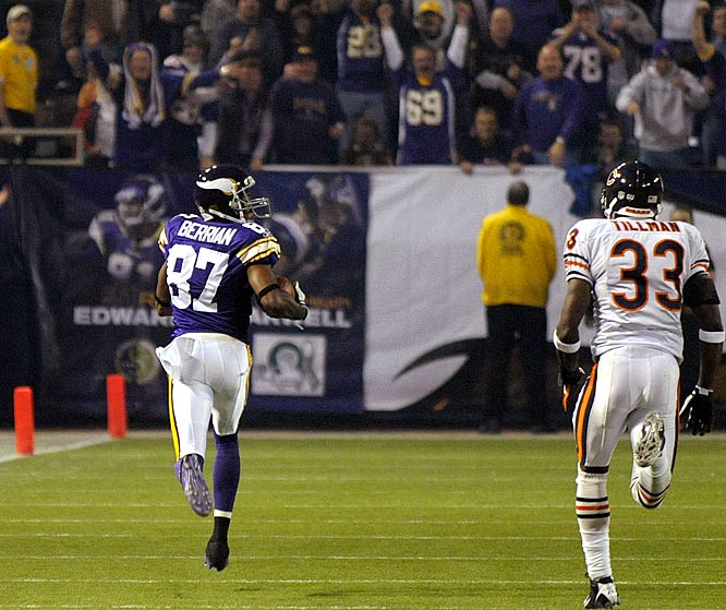 One play after the Vikings had stopped the Bears on a goalline stand, Berrian tied an NFL record with a 99-yard touchdown reception. He finished the day with 122 yards, his seventh career 100-yard receiving outing.